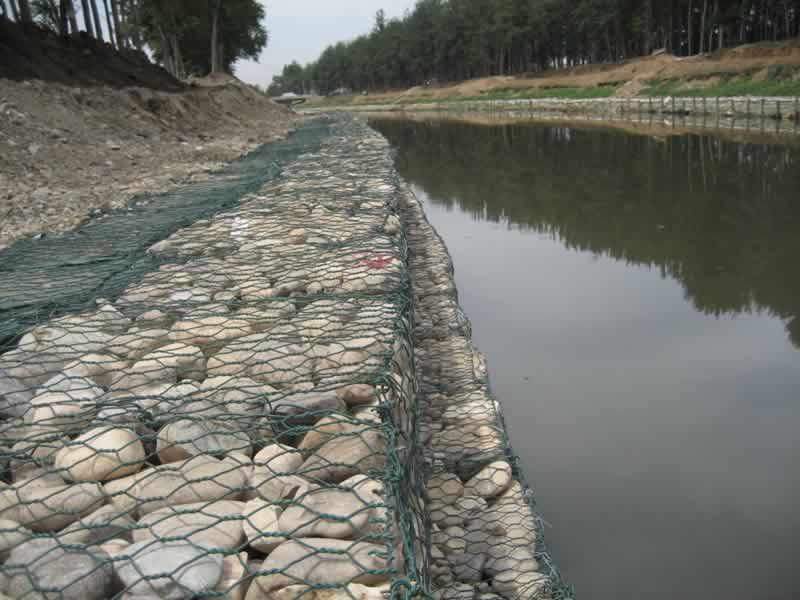 石笼网用于河道防护