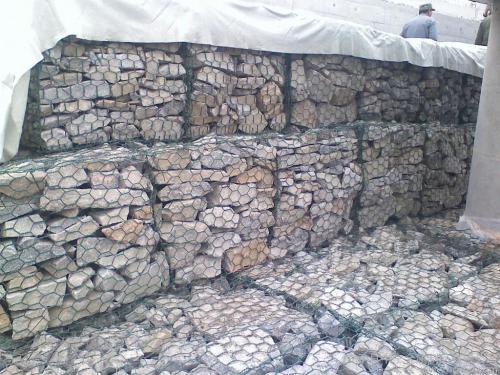 石笼网箱填充完成展示