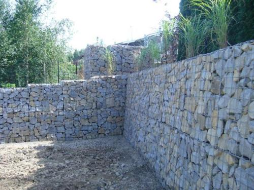 石笼网边坡防护绿化